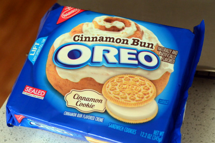 Cinnamon Bun Oreos, reviewed